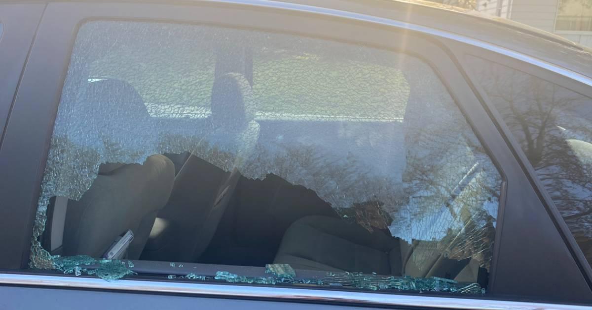 Tyveribølge rammer område: Biler ryddet for værdier