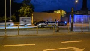 Menneskejagt i Aarhus: Politimand kørt ned af flugtbilist